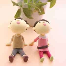 植物と二人の仲間のクレイアート