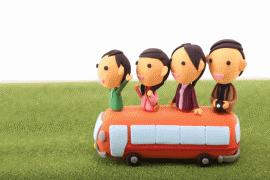 家族旅行をするクレイアートのイメージ