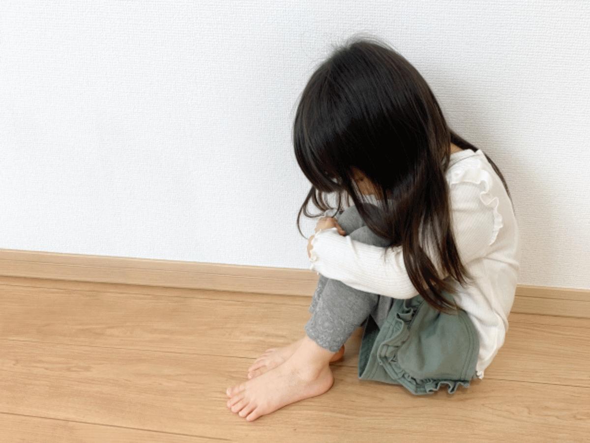心に傷を負った少女、インナーチャイルド「薫」の気持ちを表すイメージ